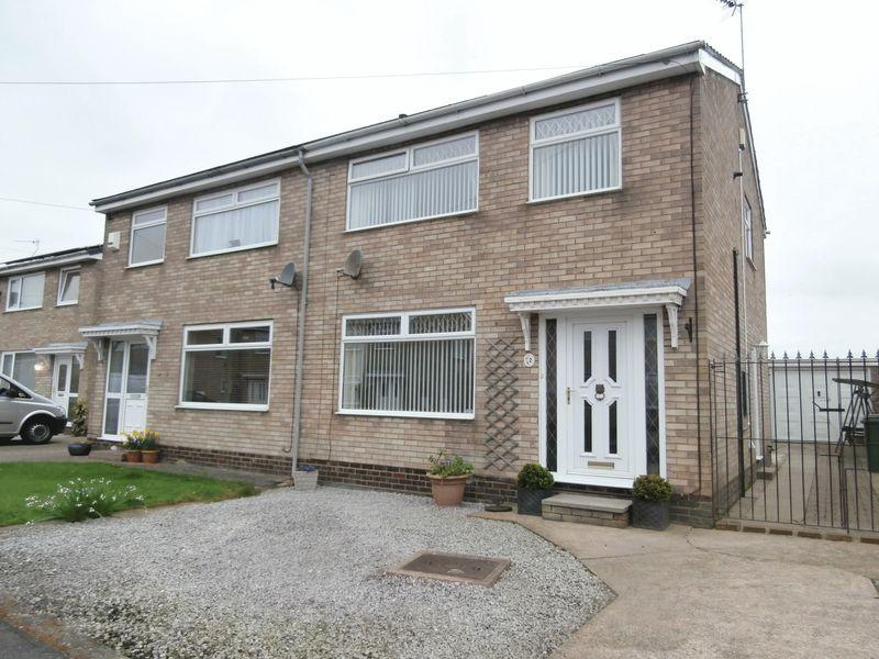 3 Bedrooms Semi Detached House for sale in Guy Garth, Hedon,
