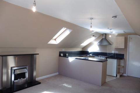 1 bedroom apartment to rent - Top Flat, Devon Square, Newton Abbot