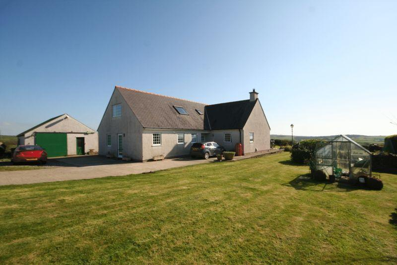 5 Bedrooms Detached House for sale in Rhydwyn, Anglesey