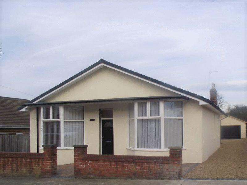 3 Bedrooms Bungalow for sale in East Ford Road, Stakeford, Three Bedroom Detached Bungalow