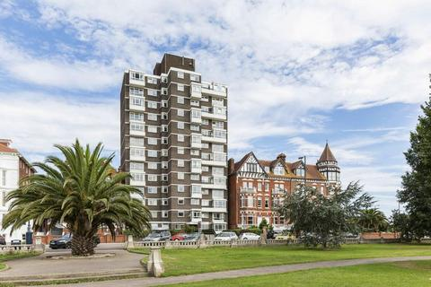 3 bedroom apartment to rent - Clarence Parade, Southsea