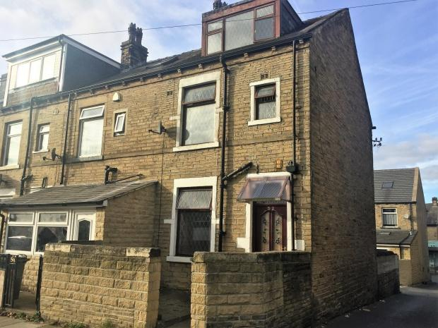 3 Bedrooms Terraced House for sale in Sandford Road, Bradford, BD3