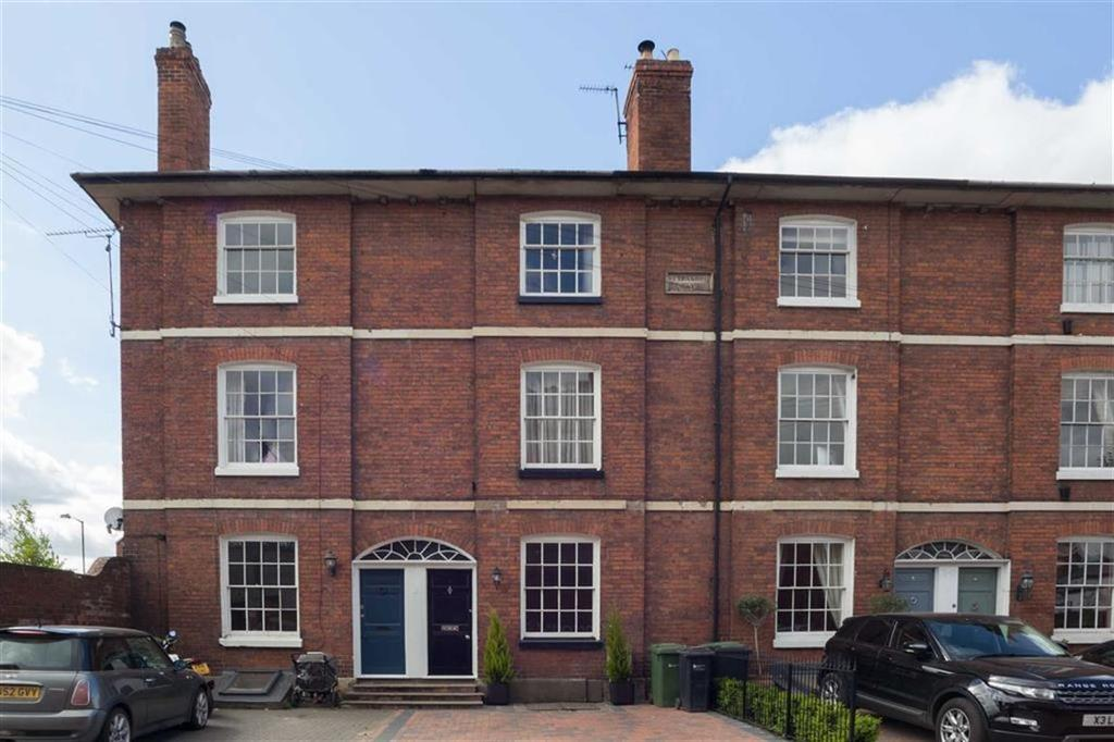 4 Bedrooms Town House for sale in Portland Street, CITY CENTRE, Hereford