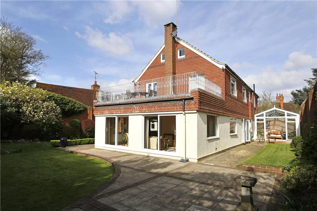 6 Bedrooms Detached House for sale in Coombe Hill Road, Kingston upon Thames, KT2