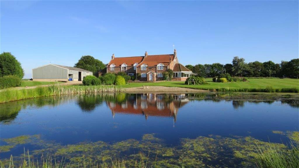 4 Bedrooms Country House Character Property for sale in Gembling, Driffield, East Yorkshire, YO25