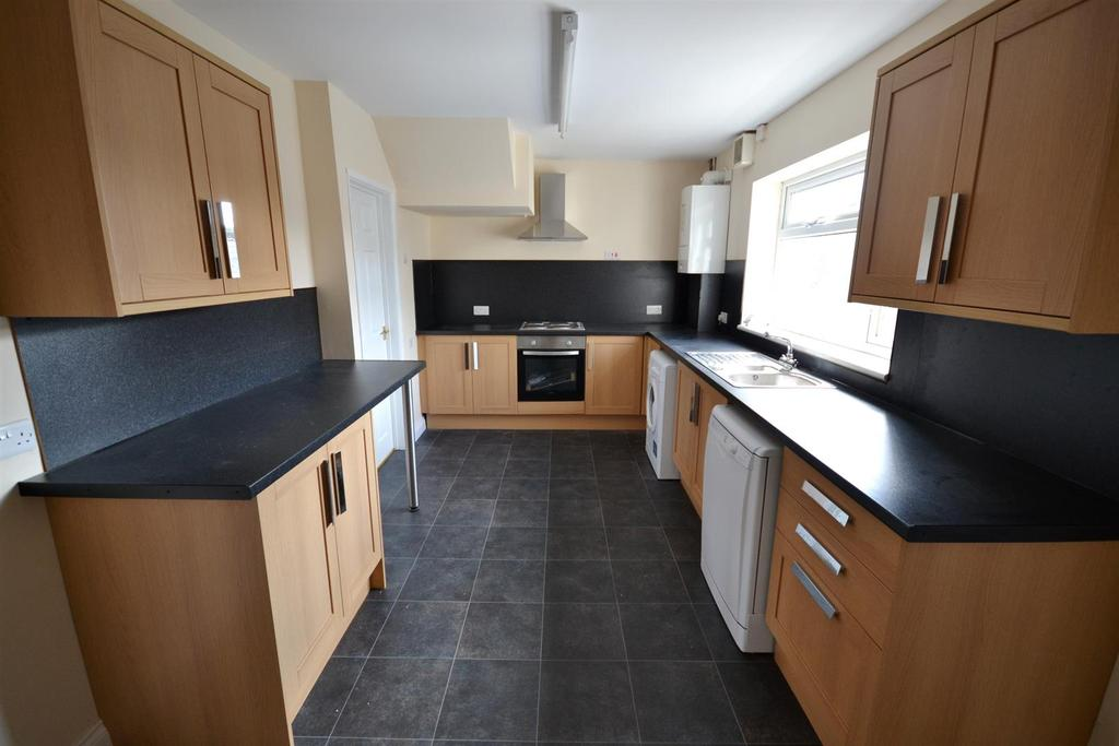 3 Bedrooms Semi Detached House for sale in St. Johns Road, Pembroke Dock