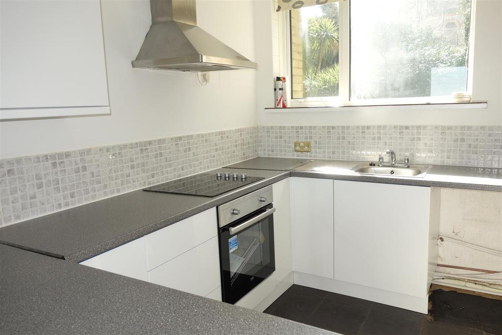 2 Bedrooms Apartment Flat for sale in Gwent, Northcliffe, Penarth