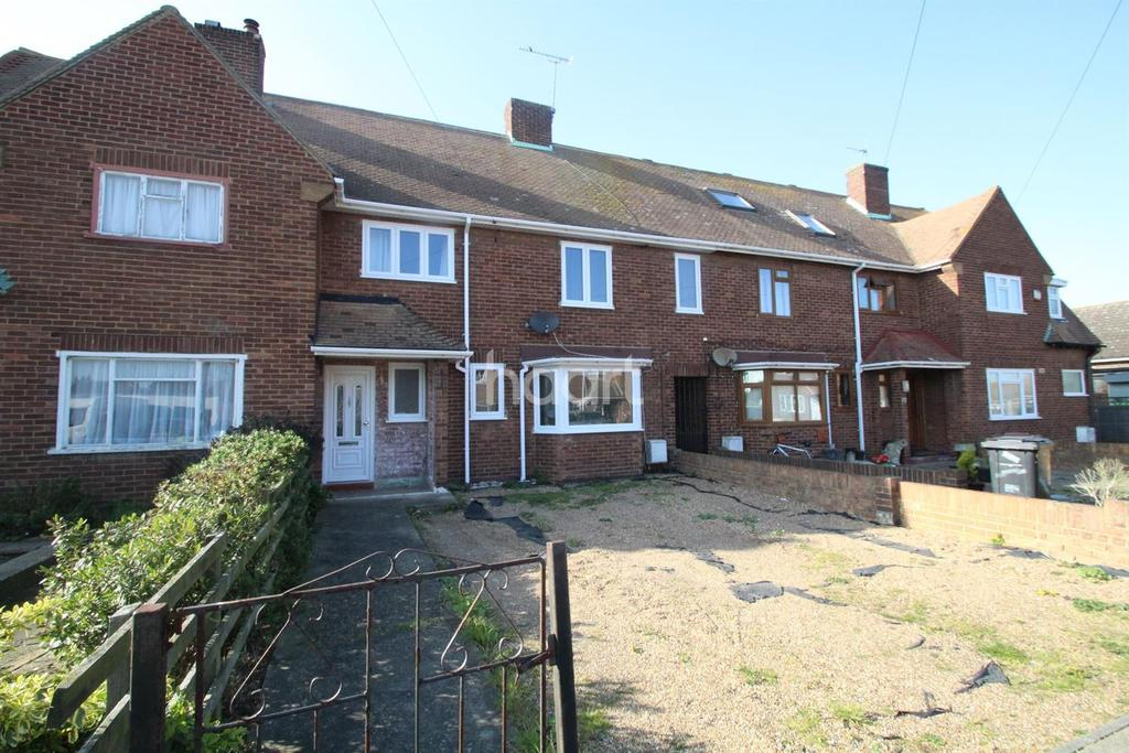 4 Bedrooms Terraced House for sale in Grayne Avenue, Isle of Grain