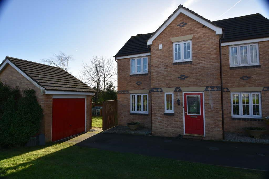 4 Bedrooms Detached House for sale in Roeburn Close, Wibsey, Bradford