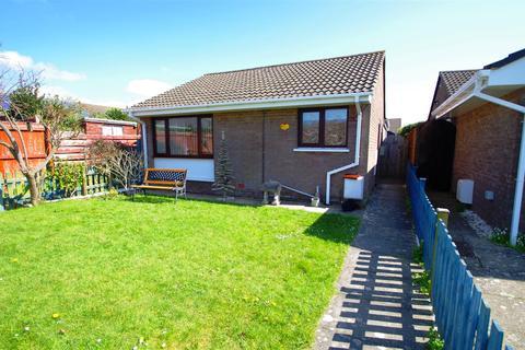 2 bedroom detached bungalow for sale - Fairway Close