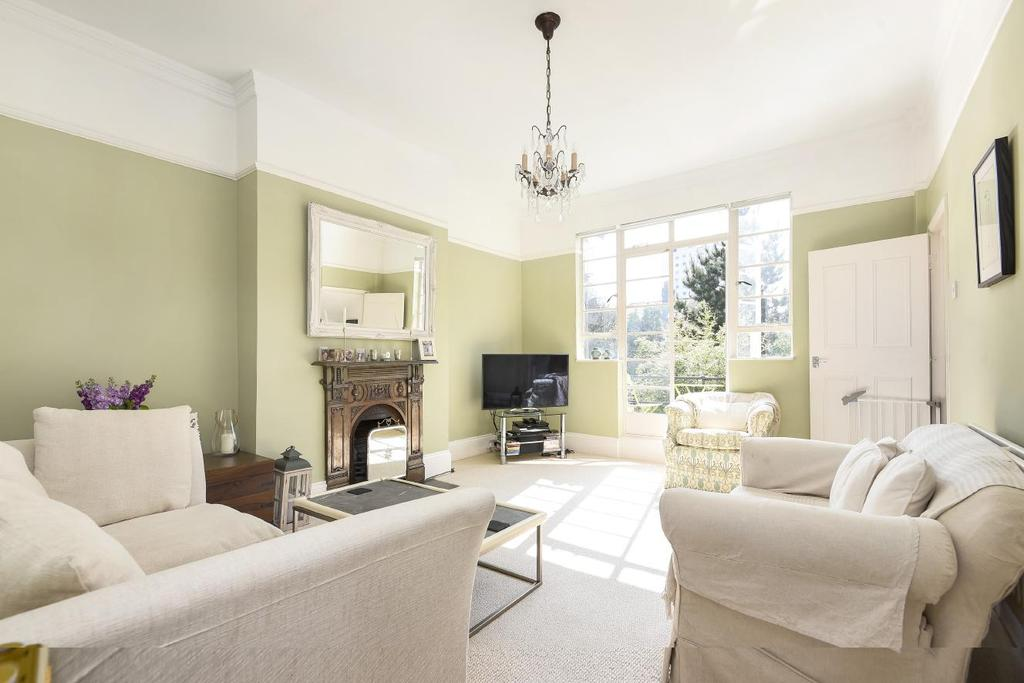 2 Bedrooms Flat for sale in Elms Crescent, Clapham, SW4