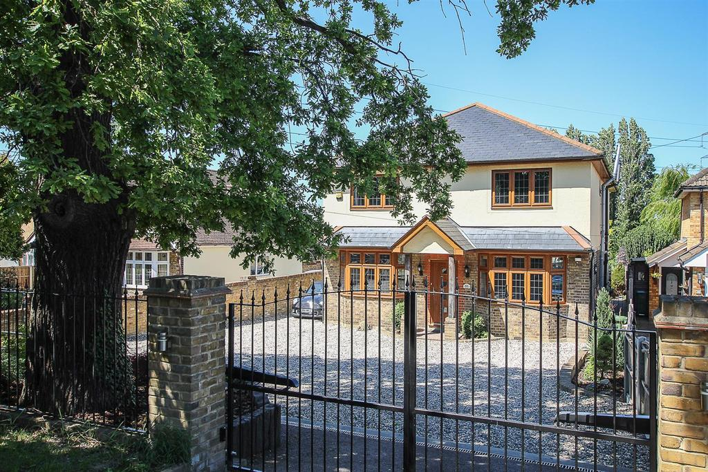 5 Bedrooms House for sale in Nags Head Lane, Brentwood