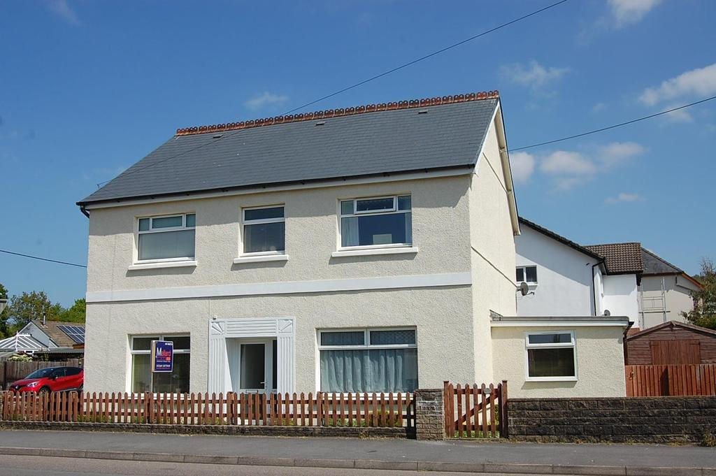3 Bedrooms Detached House for sale in Ammanford Road, Llandybie, Ammanford