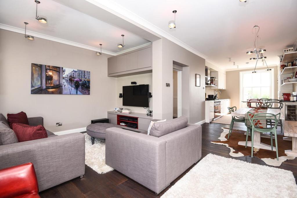 3 Bedrooms Maisonette Flat for sale in Stanhope Gardens, South Kensington