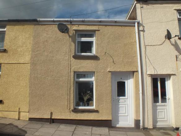 2 Bedrooms Terraced House for sale in Clarence Street, Brynmawr NP23