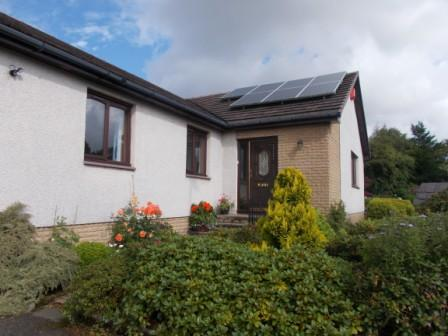 4 Bedrooms Detached Bungalow for sale in 354 Rullion Road, Penicuik, Midlothian, EH26 9AD