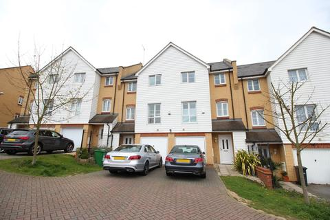 4 bedroom townhouse to rent - Christian Close, Hoddesdon, Hertfordshire EN11