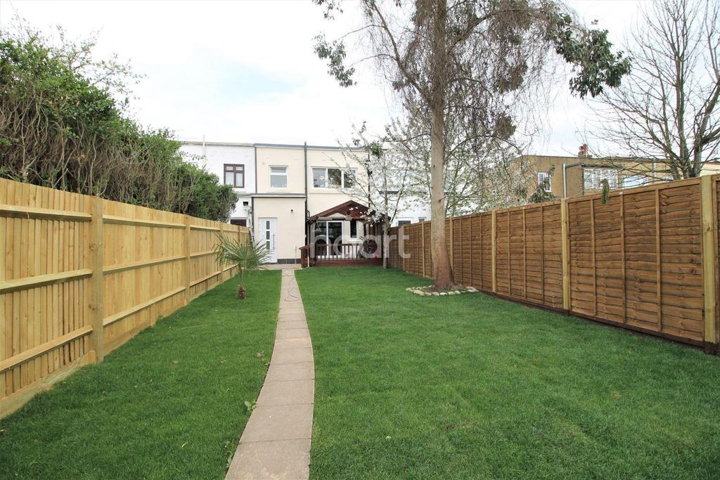 3 Bedrooms Terraced House for sale in Bath Road
