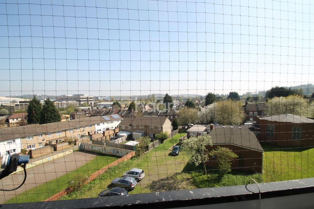 2 Bedrooms Flat for sale in South Luton