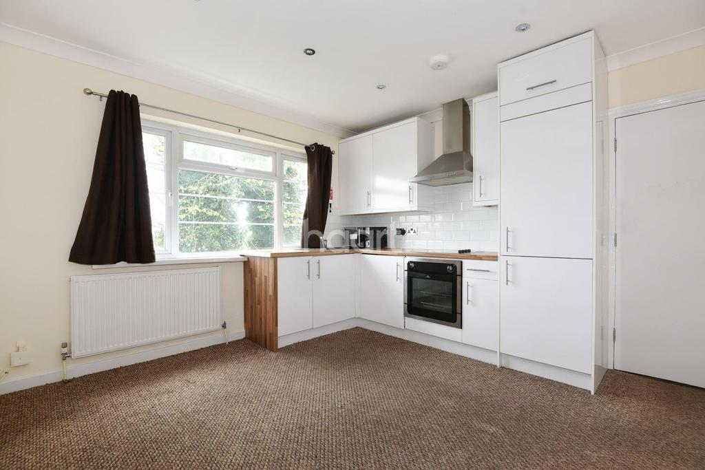 3 Bedrooms Flat for sale in Blakewood Court, Anerley Park, SE20