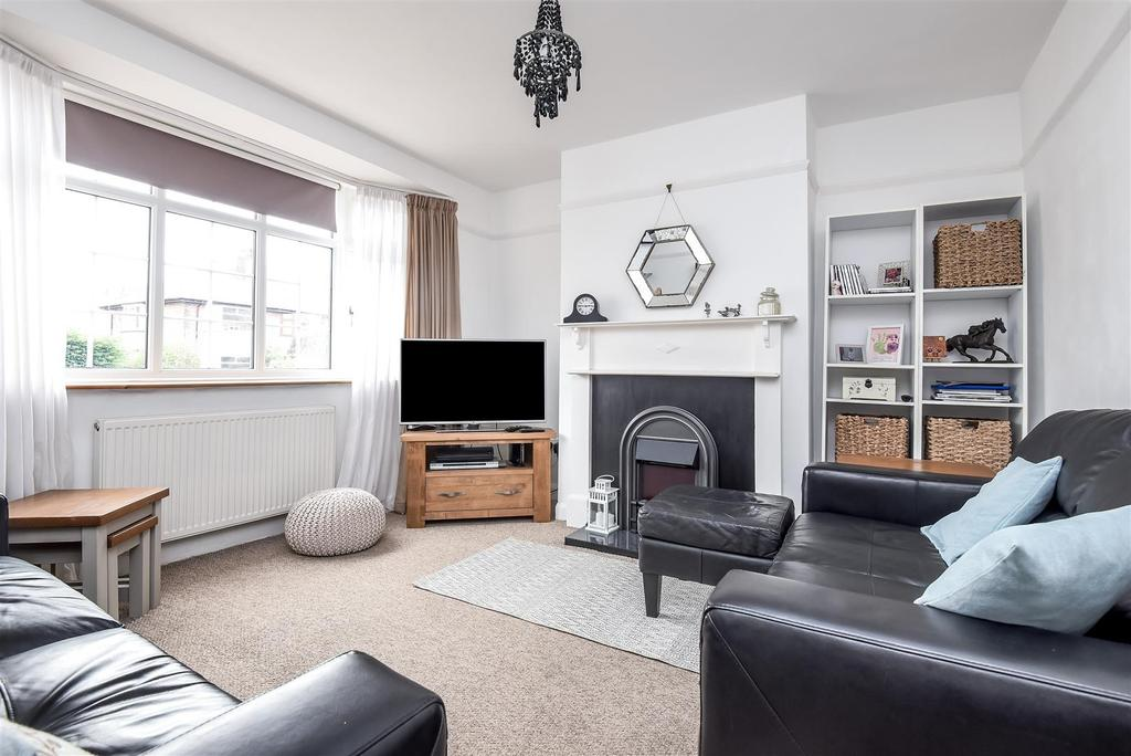 3 Bedrooms Semi Detached House for sale in Delbush Avenue, Headington