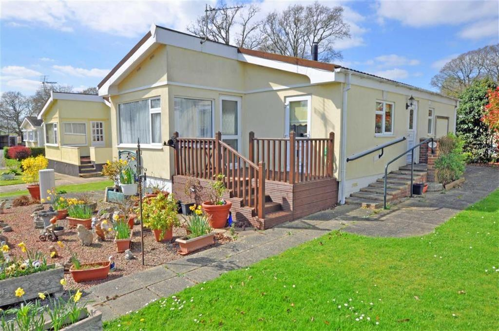 1 Bedroom Park Home Mobile Home for sale in Deanland Wood Park