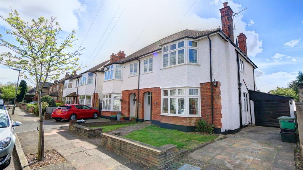 4 Bedrooms Semi Detached House for sale in Burford Road, Bickley, Bromley, Kent