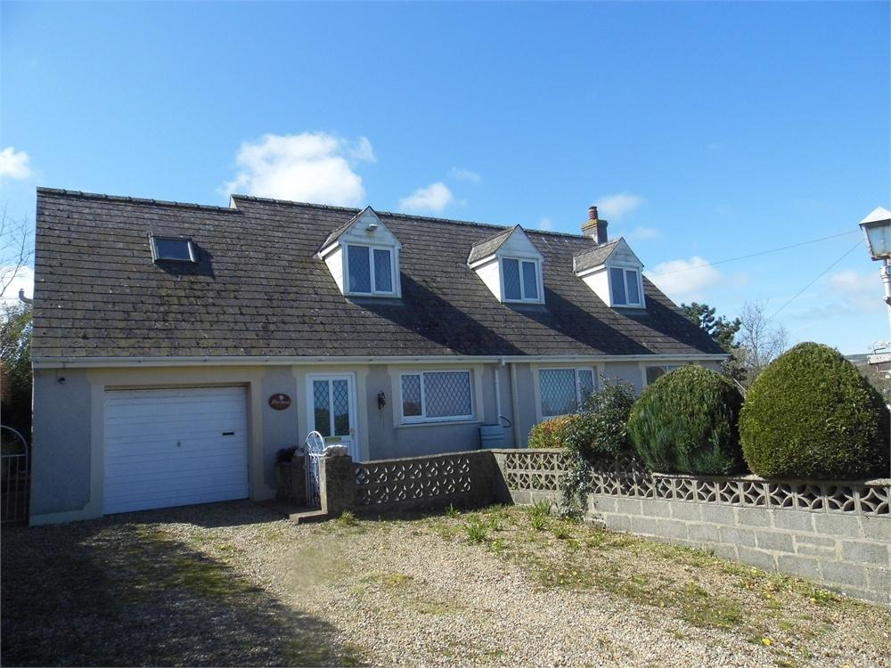 3 Bedrooms Detached Bungalow for sale in Peace Haven, Windy Hall, Fishguard, Pembrokeshire