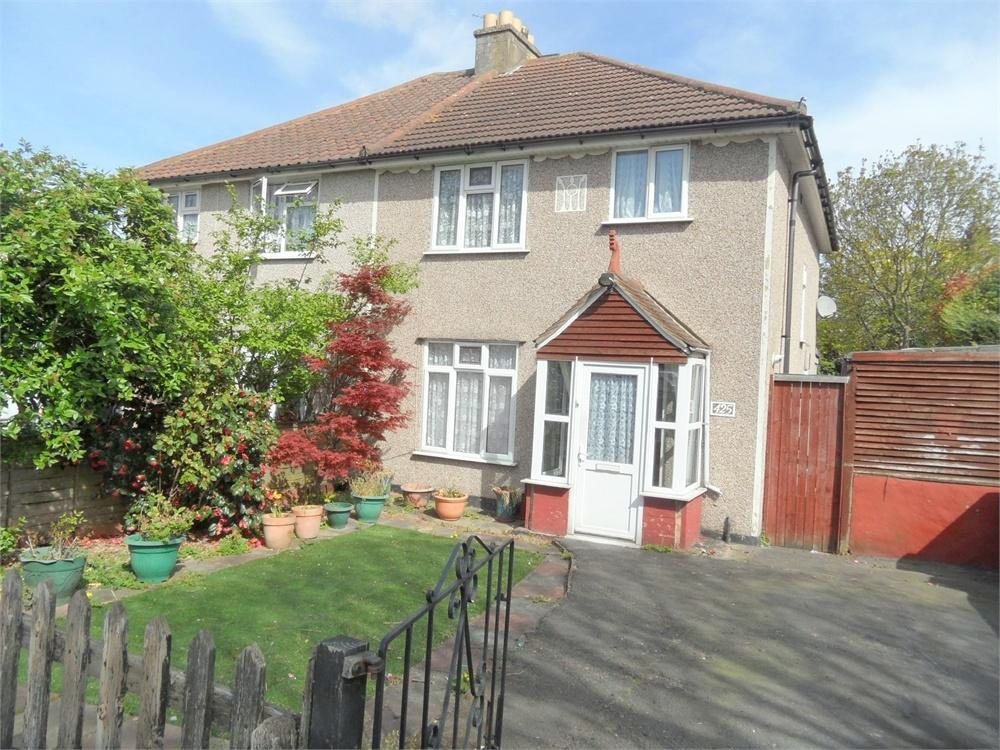 3 Bedrooms Semi Detached House for sale in Rochester Way, Eltham, London