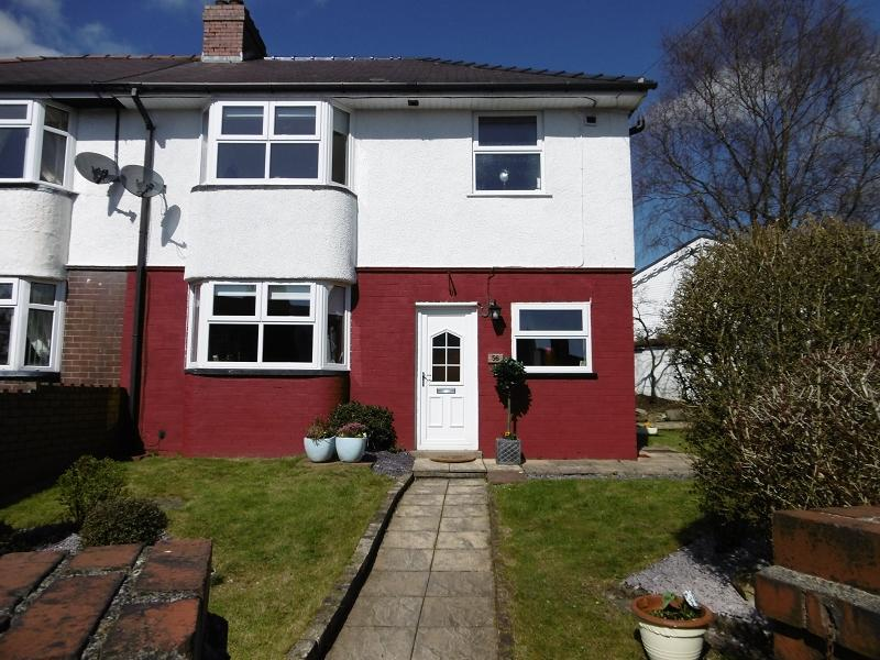 3 Bedrooms Semi Detached House for sale in Badminton Grove, Ebbw Vale, Blaenau Gwent.