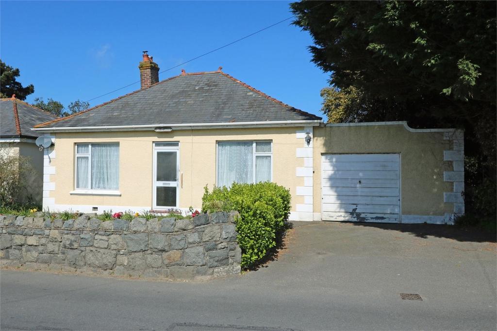 2 Bedrooms Detached Bungalow for sale in St Francis, Oberlands, St Peter Port