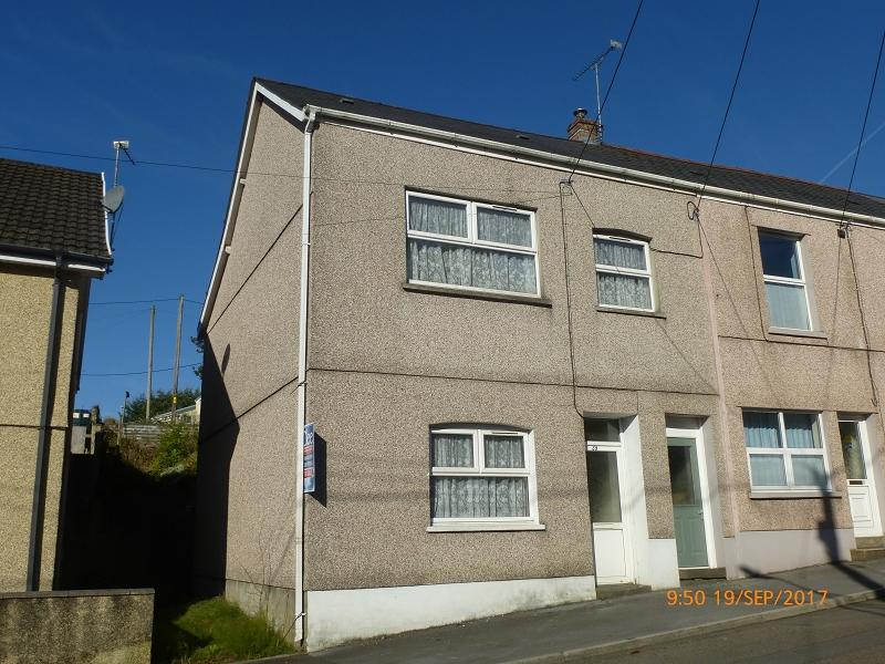 4 Bedrooms End Of Terrace House for sale in Station Road, Upper Brynamman, Ammanford, Carmarthenshire.