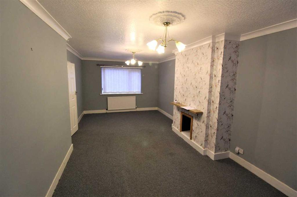 Livng room / dining room