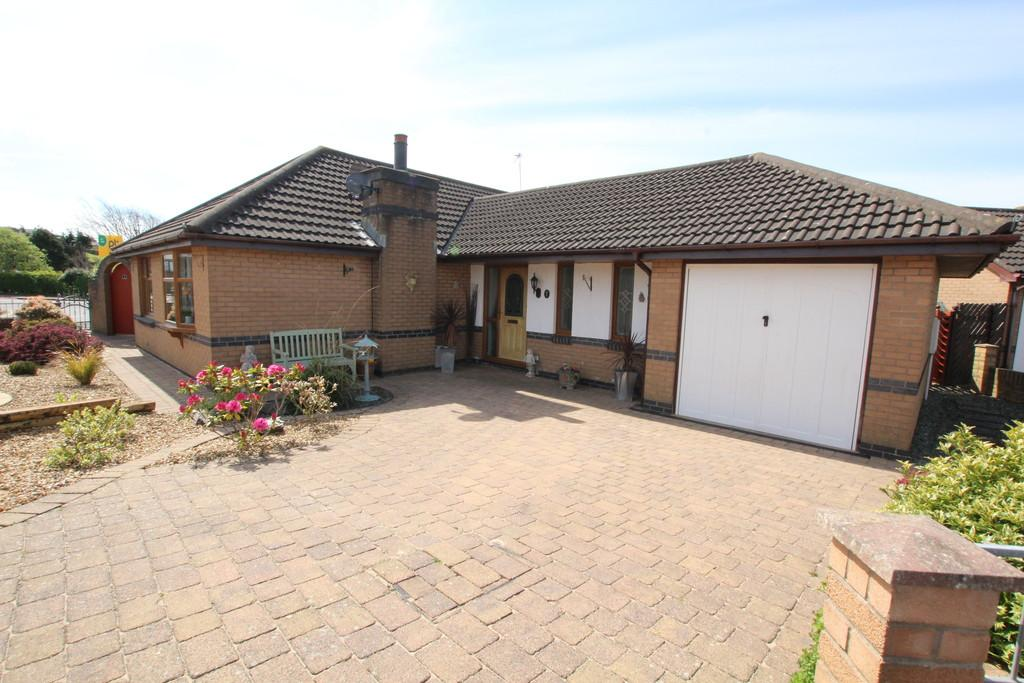 3 Bedrooms Detached Bungalow for sale in Grey Friar Close, Barrow-In-Furness