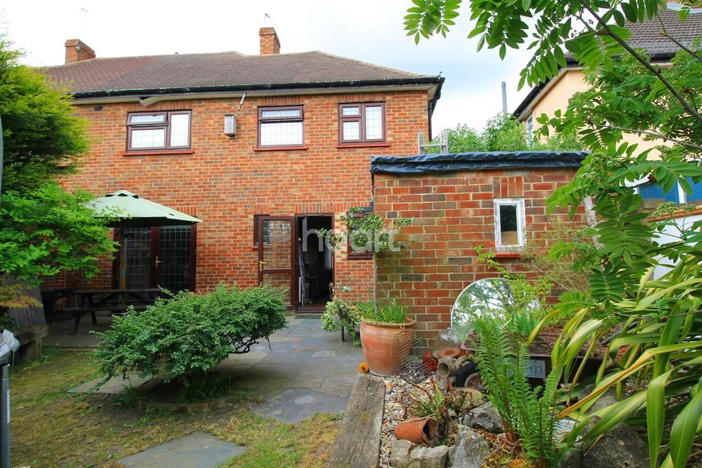 3 Bedrooms Semi Detached House for sale in The Greenway, Orpington