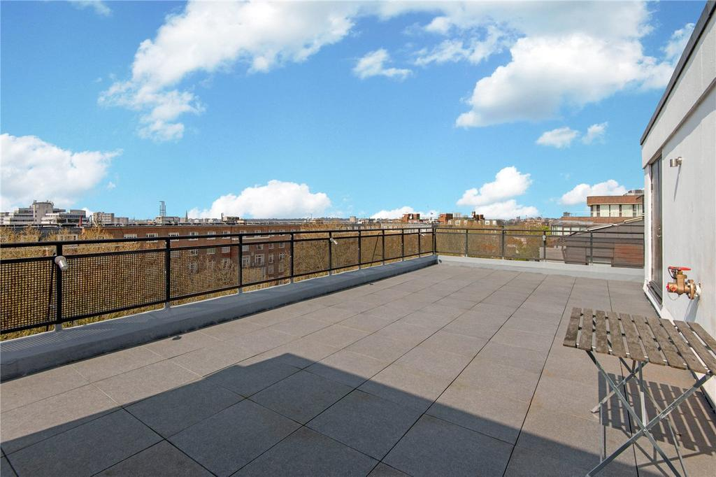 4 Bedrooms Flat for sale in Athena Court, Finchley Road, St John's Wood, London, NW8