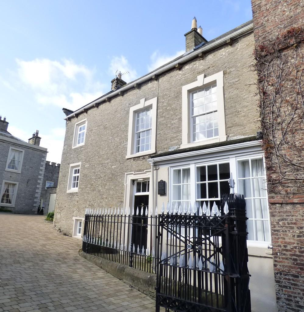 4 Bedrooms Semi Detached House for sale in Pear Tree Cottage, Middleham