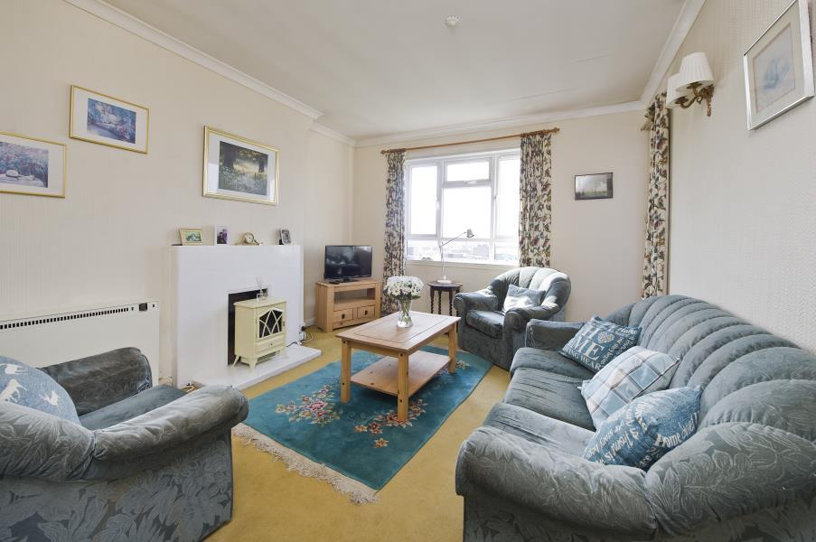 2 Bedrooms Flat for sale in Blythe Road, Brook Green W14