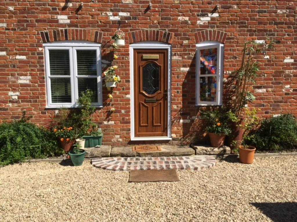 4 Bedrooms Semi Detached House for sale in CATHERINE FORD ROAD, DINTON, SALISBURY, WILTSHIRE SP3 5HB