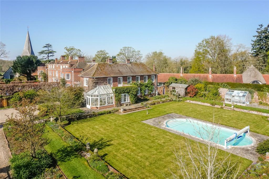 4 Bedrooms Semi Detached House for sale in Church End, Sherfield-on-Loddon, Hook, Hampshire