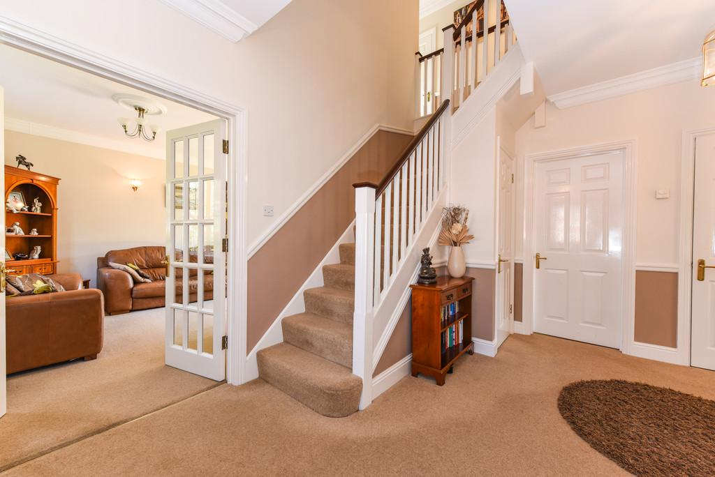 5 Bedrooms Detached House for sale in Hill Brow, Liss