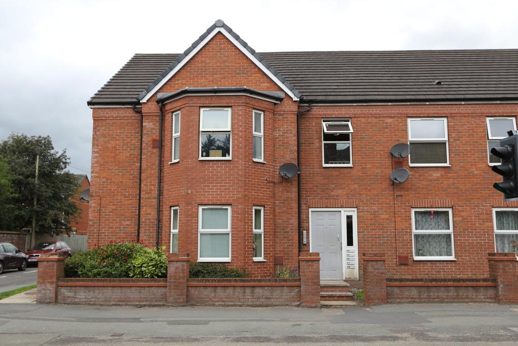 2 Bedrooms Flat for sale in 4 Ashcroft Court, Cadishead