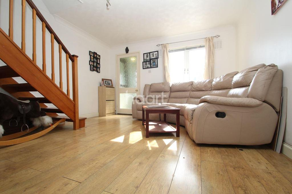 3 Bedrooms Terraced House for sale in Boulters Close