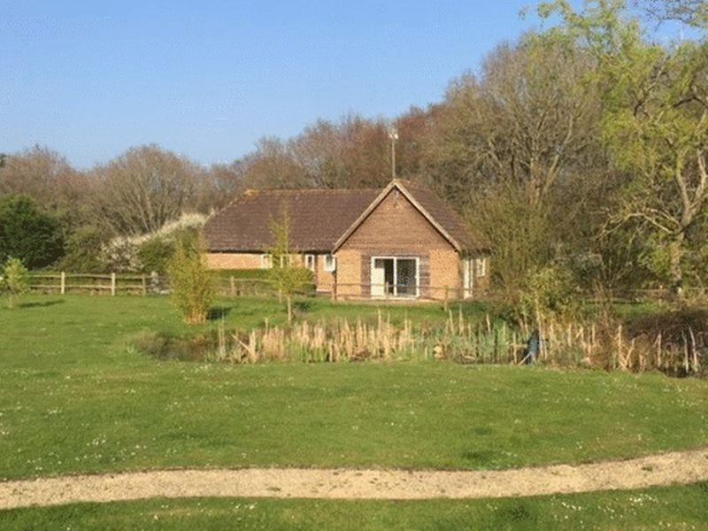2 Bedrooms Detached Bungalow for sale in Ditchling Common, Burgess Hill, West Sussex