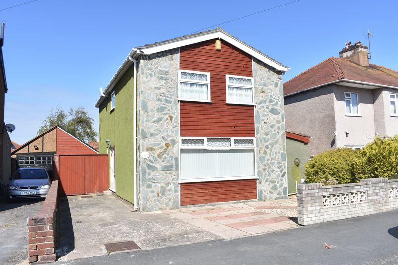 3 Bedrooms Detached House for sale in Holland Park Drive, Rhyl
