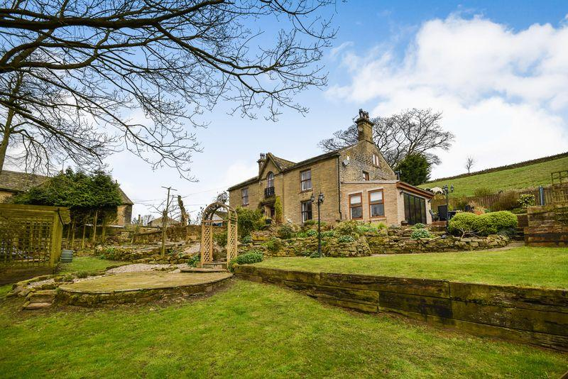 5 Bedrooms Farm House Character Property for sale in Stream Head, Bradford