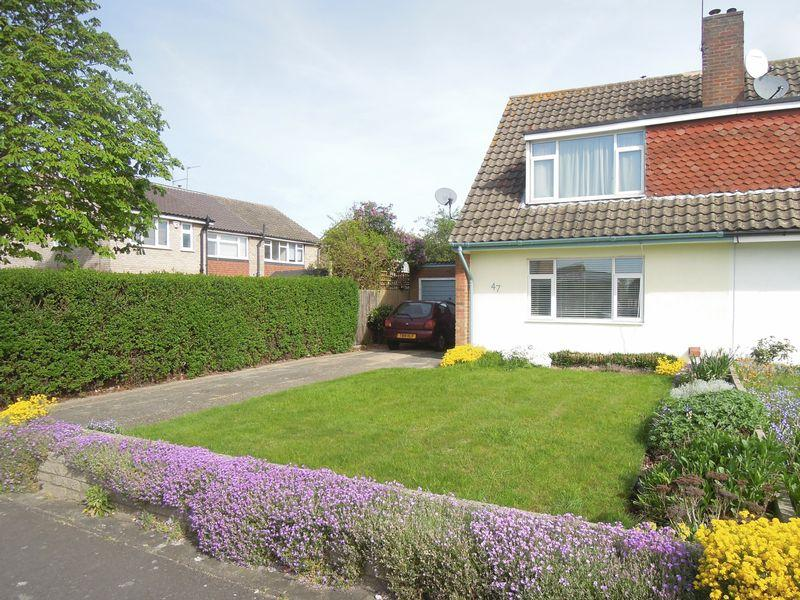 3 Bedrooms Semi Detached House for sale in Parlaunt Road, Langley
