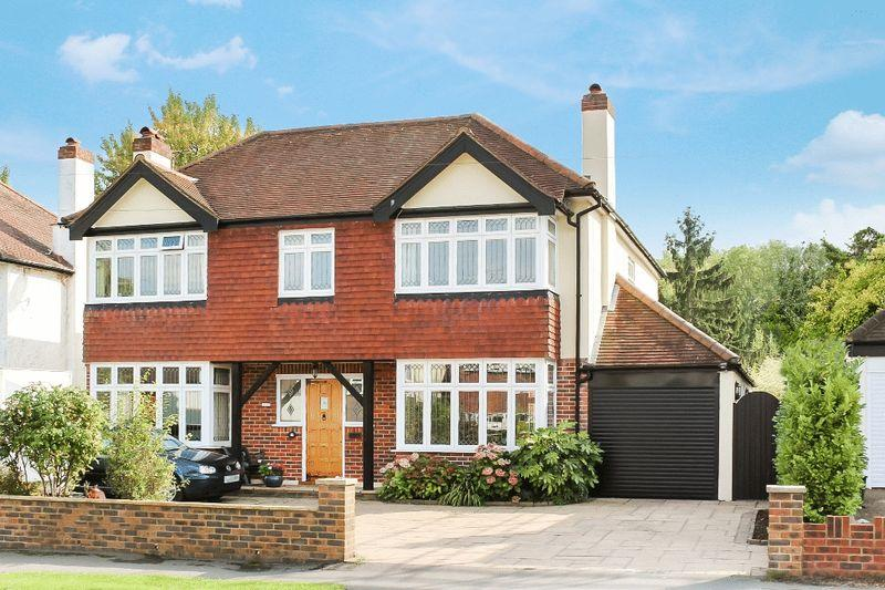 5 Bedrooms Detached House for sale in FETCHAM - GATESDEN ROAD