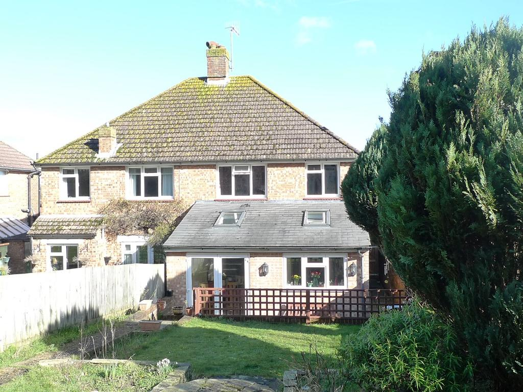 3 Bedrooms Semi Detached House for sale in Manvers Road, Old Town, Eastbourne, BN20