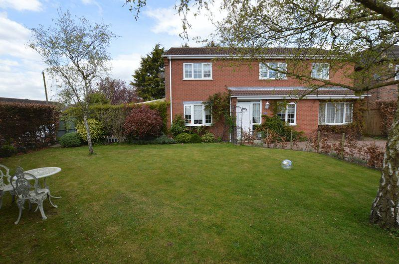 4 Bedrooms Detached House for sale in 31 St Leonards Avenue, Woodhall Spa